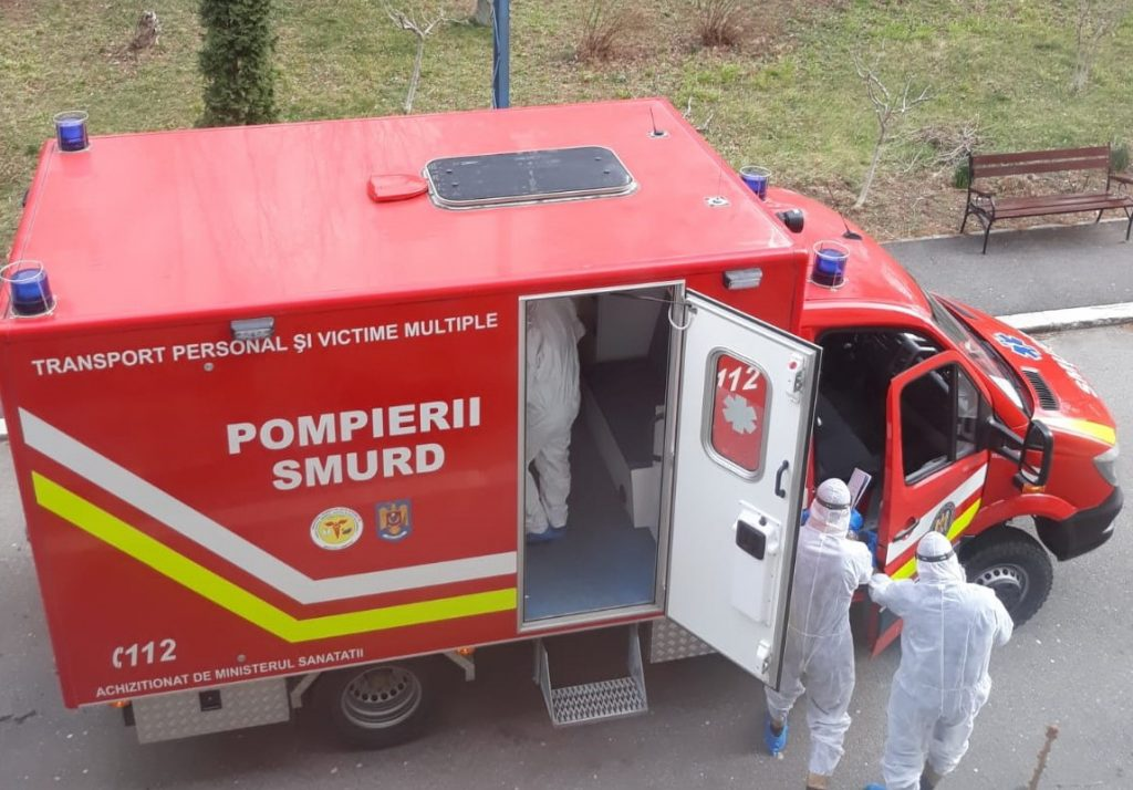 184 de cazuri COVID-19. Personalul SMURD a transportat, în ultimele 24 de ore, 153 de persoane la spital sau în centre de carantină