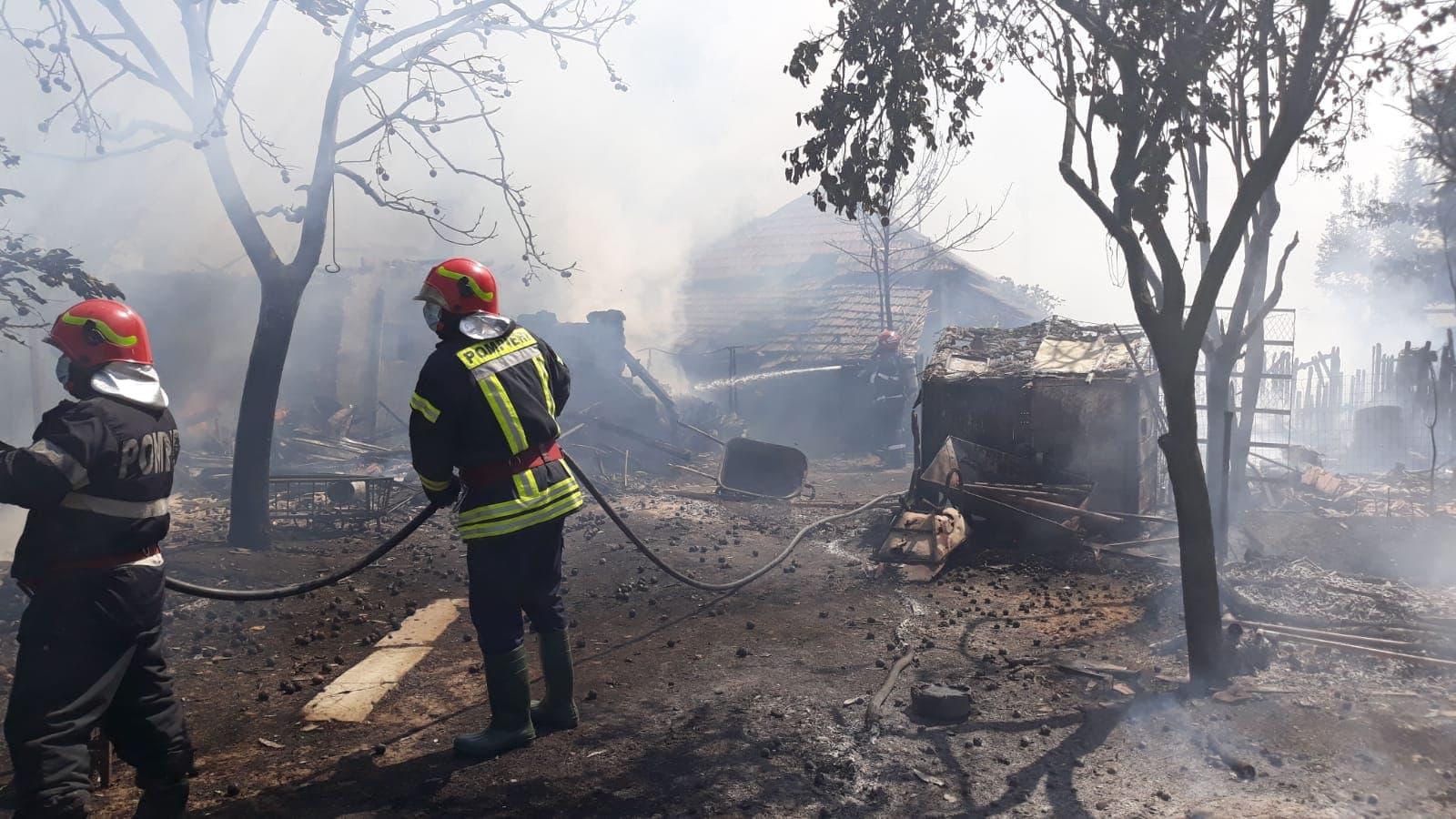 VIDEO. Imagini cu incendiul de la Strejeşti