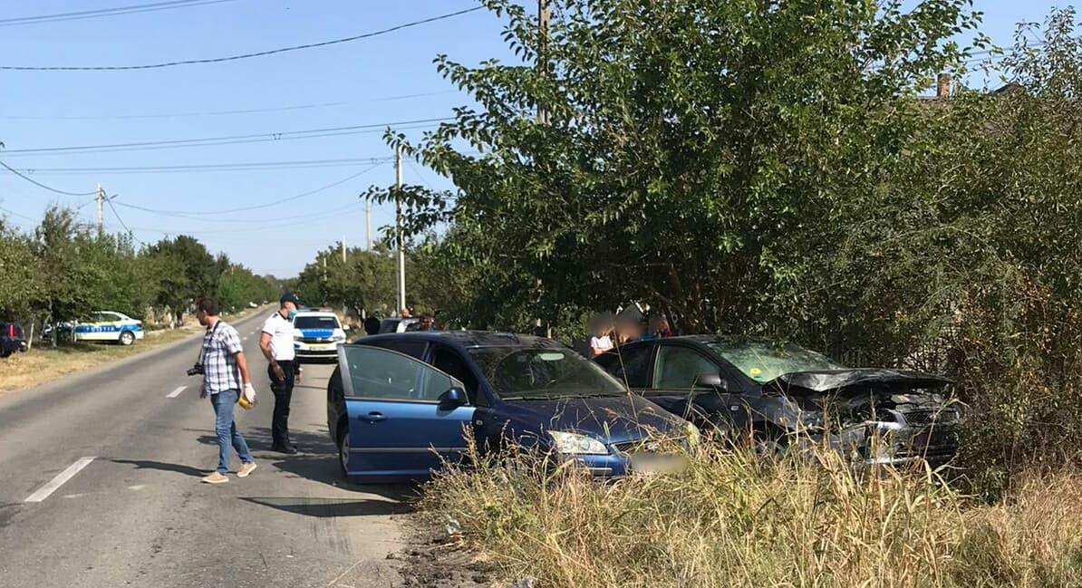 O tânără şoferiţă a provocat un accident la Bălăneşti. Fata, de doar 21 de ani, a necesitat îngrijiri medicale
