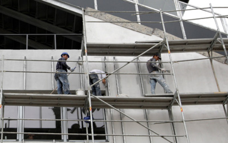 Amenzi pe şantierele din Olt, aplicate de inspectorii de muncă